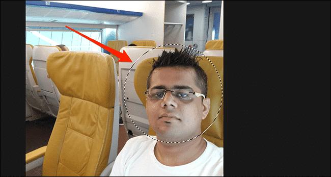 Faites une sélection de cercle sur votre photo dans la fenêtre Photoshop